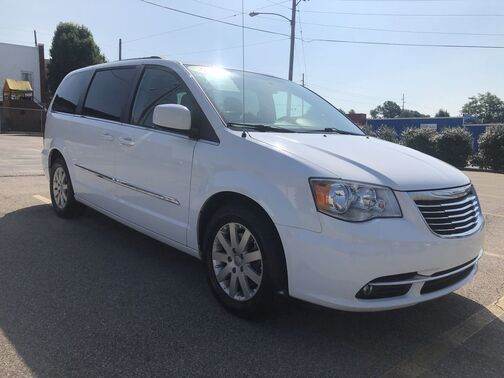 2016_Chrysler_Town & Country_Touring_ Frankfort KY