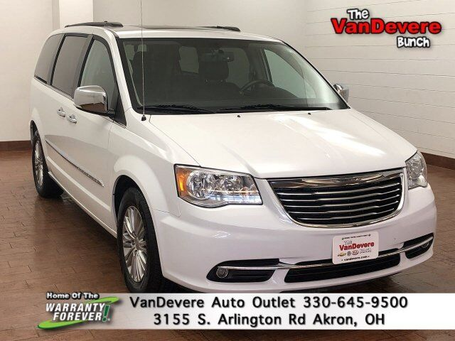 2016 Chrysler Town & Country Touring-L Anniversary Edition Akron OH