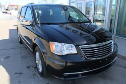 Chrysler Town & Country Touring-L Anniversary Edition Green Bay WI