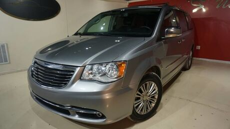 2016 Chrysler Town & Country Touring-L Anniversary Edition Indianapolis IN