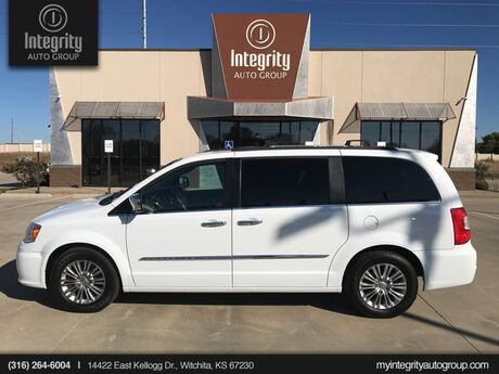 2016 Chrysler Town & Country Touring-L Anniversary Edition Wichita KS