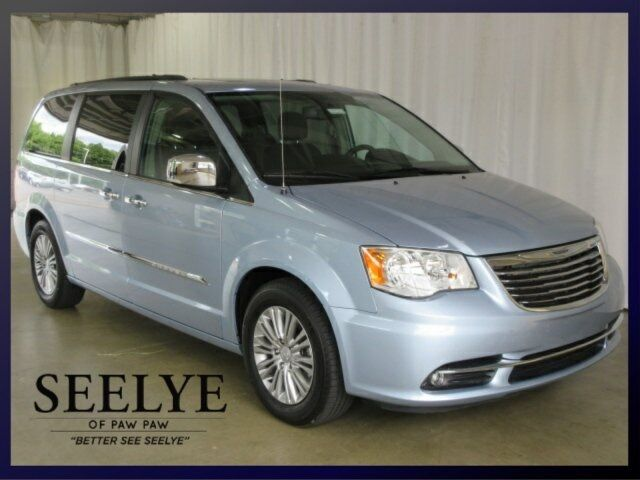 2016 Chrysler Town & Country Touring-L Battle Creek MI