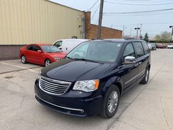 2016_Chrysler_Town & Country_Touring-L_ Cleveland OH