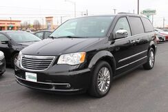 2016_Chrysler_Town & Country_Touring-L_ Fort Wayne Auburn and Kendallville IN