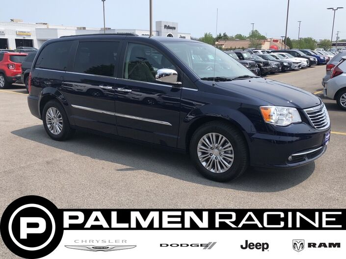2016 Chrysler Town & Country Touring-L Racine WI
