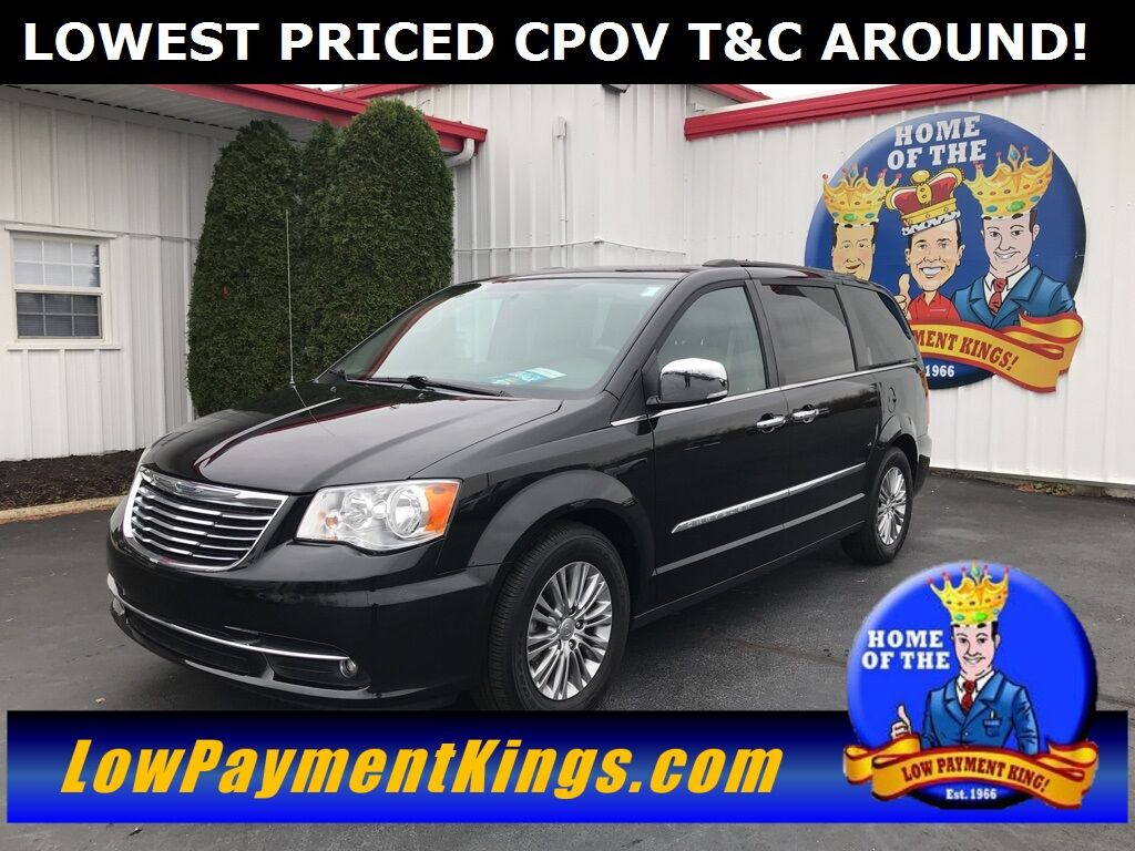 2016 Chrysler Town & Country Touring-L Shelby OH