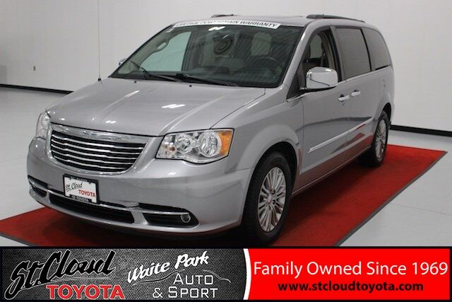 2016 Chrysler Town & Country Touring-L Waite Park MN