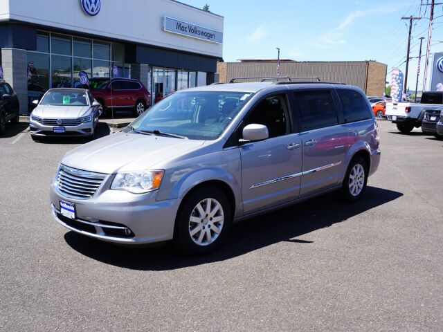 2016 Chrysler Town & Country Touring McMinnville OR