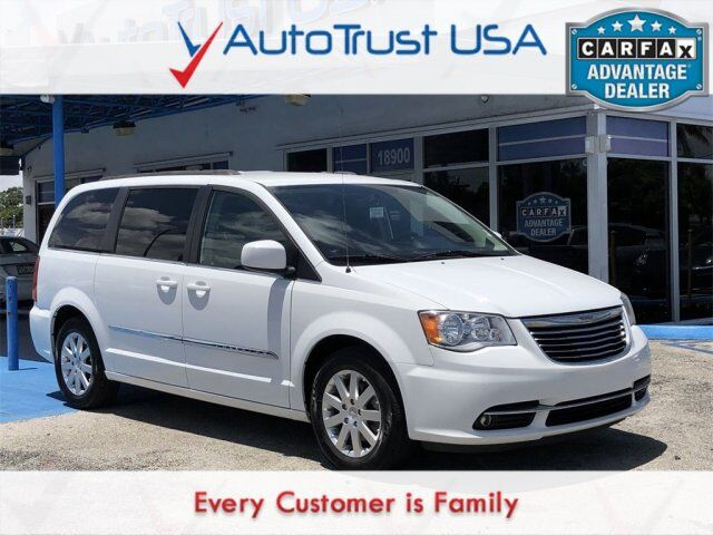 2016 Chrysler Town & Country Touring Miami FL
