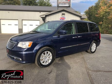 2016 Chrysler Town & Country Touring Middlebury IN