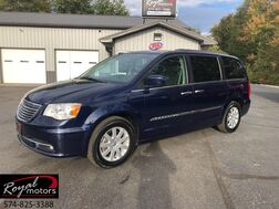 2016_Chrysler_Town & Country_Touring_ Middlebury IN
