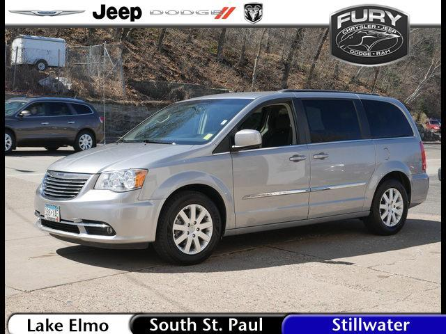 2016 Chrysler Town & Country Touring Stillwater MN