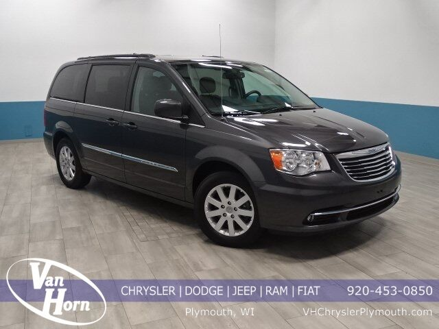 2016 Chrysler Town and Country Touring Plymouth WI