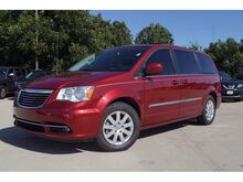 2016_Chrysler_Town & Country_Touring_