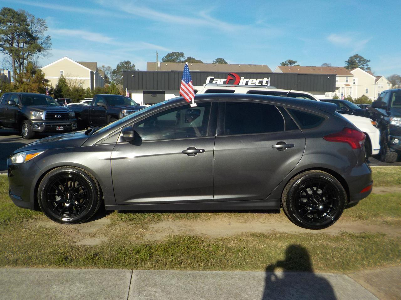 2016 FORD FOCUS SE HATCHBACK 4 DOOR, CUSTOM VISION RIMS, BACKUP CAMERA, STEERING WHEEL CONTROLS, GREAT CONDITION! Virginia Beach VA