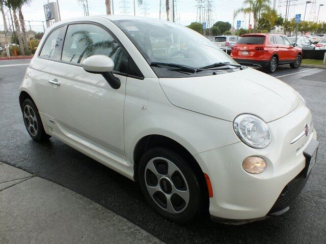 2016_Fiat_500e_Battery Electric_ Torrance CA