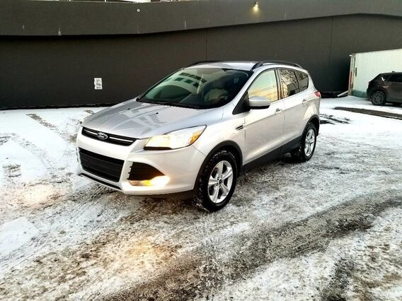 2016_Ford_Escape_SE back up camera 4wd Navigation_ Calgary AB