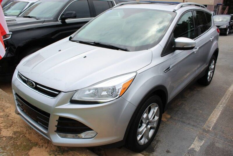 2016 Ford Escape w/ PANORAMIC ROOF & LEATHER SEATS