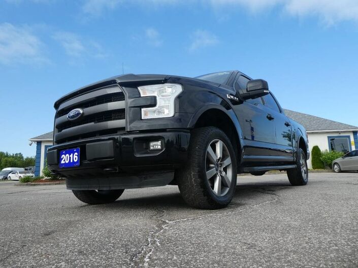 2016 Ford F-150 Lariat- 5.0L- FX4 PKG- PANORAMIC SUNROOF- NAVIGATION- LOADED Essex ON