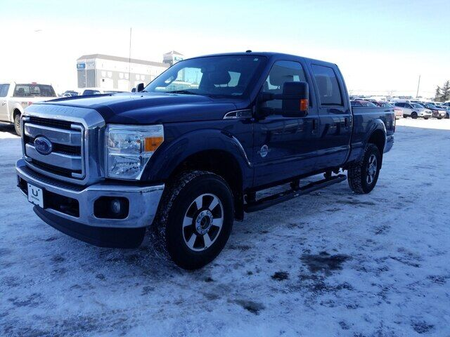 2016 Ford F-350 LARIAT DIESEL SUNROOF LEATHER AND NAVIGATION Calgary AB