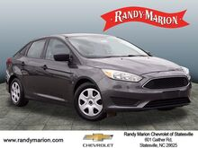 2016_Ford_Focus_S_  NC