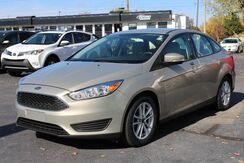 2016_Ford_Focus_SE_ Fort Wayne Auburn and Kendallville IN