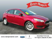 2016_Ford_Focus_SE_ Hickory NC