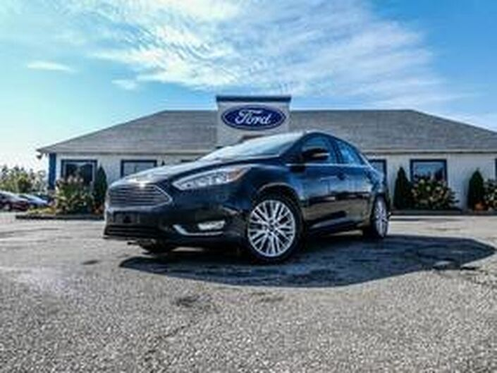 2016 Ford Focus Titanium- LEATHER- SUNROOF- NAVIGATION- BACKUP CAMERA Essex ON