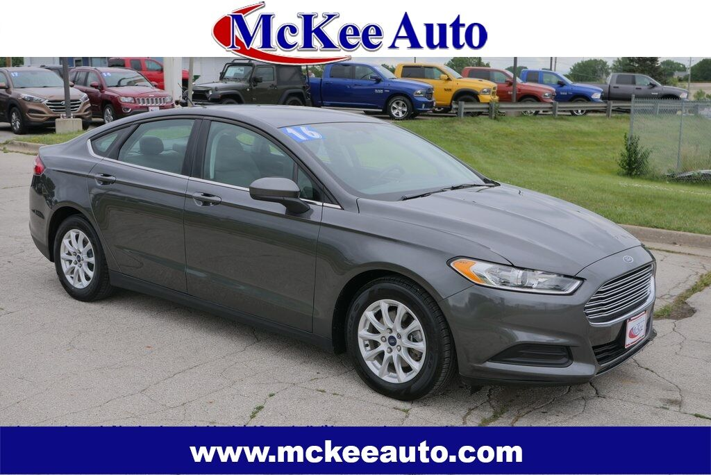 2016 Ford Fusion S Des Moines IA