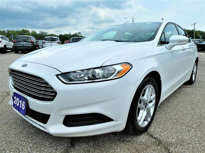 2016 Ford Fusion *SALE PENDING* SE | Back Up Cam | Remote Start | Cruise Control Essex ON