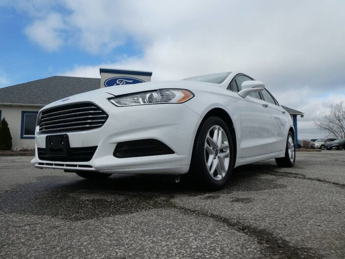 2016 Ford Fusion SE- REMOTE START- HEATED SEATS- BACKUP CAM- SYNC Essex ON