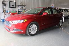 2016_Ford_Fusion_SE Hybrid_ Fort Wayne Auburn and Kendallville IN