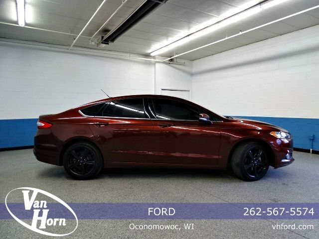 2016 Ford Fusion SE Plymouth WI