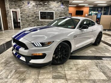 2016_Ford_Mustang_Shelby GT350_ Worcester MA