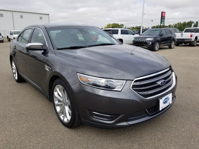 2016 Ford Taurus Limited (MOONROOF, NAV, COMFORT PACKAGE) Swift Current SK