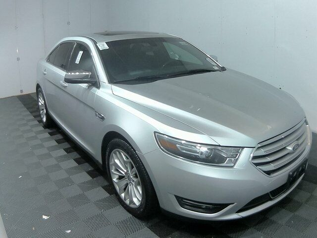 2016 Ford Taurus Limited Plymouth WI