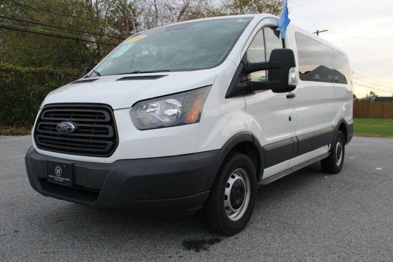 2016 Ford Transit T-150 XL 10-Passenger Van - Low Roof New Castle DE
