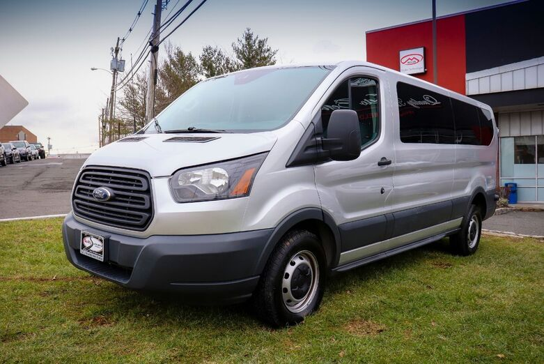 2016 Ford Transit Wagon XL T-350 148 Low Roof 12 Passenger 1 Owner Springfield NJ