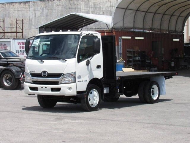 2016 Hino 195 14' Steel Flatbed Truck