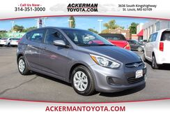 2016_Hyundai_Accent 5-Door_SE_ St. Louis MO