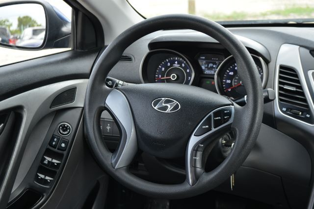 2016 Hyundai Elantra SE 6MT Houston TX