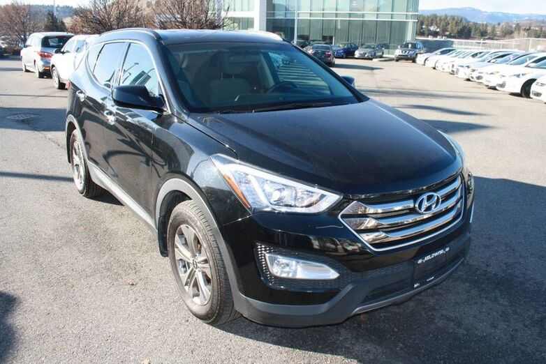2016 Hyundai Santa Fe Sport FWD 4dr 2.4L One owner, No accident Penticton BC