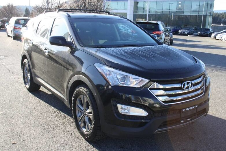 2016 Hyundai Santa Fe Sport Premium Bluetooth, Power options,backup sensor, heated seats fro Kelowna BC