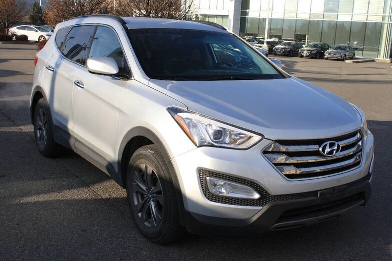 2016 Hyundai Santa Fe Sport Premium Bluetooth, Power options,heated seats, Backup sensors. Penticton BC