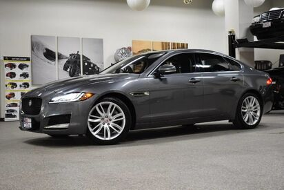 2016_Jaguar_XF_35t Prestige_ Boston MA