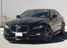 2016_Jaguar_XJ_Supercharged_ Ventura CA
