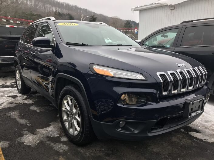 2016 Jeep Cherokee Latitude Rock City NY