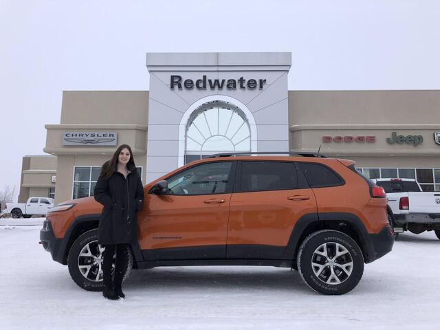 2016 Jeep Cherokee Trailhawk - 9 Speed Trans - Pano Sunroof - Leather Interior Group - Cold Weather Group - One Owner Redwater AB