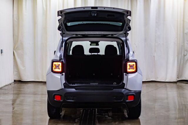 2016 Jeep Renegade 4x4 North BCam Red Deer AB