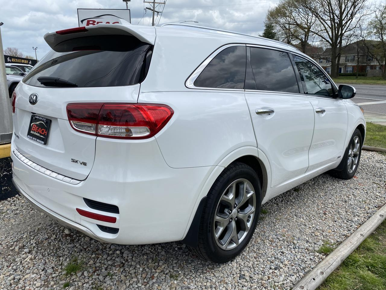 2016 KIA SORENTO SX, WARRANTY, LEATHER, NAV, HEATED/COOLED SEATS, BLUETOOTH, BACKUP CAM, PARKING SENSORS, SUNROOF! Norfolk VA